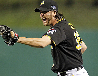 Pittsburgh's Jason Grilli closes out the Cardinals in the ninth, and the Pirates are one victory away from the NLCS. (USATSI)