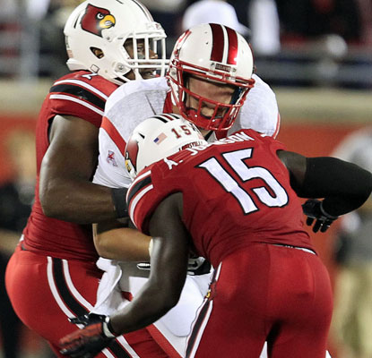 Louisville's defense steps up against an explosive Rutgers offense with four interceptions and eight sacks.  (USATSI)