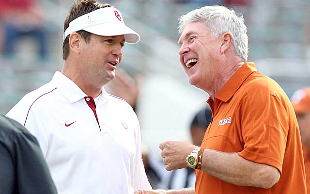 Saturday marks the 16th time that Bob Stoops and Mack Brown will square off in Dallas. (USATSI)