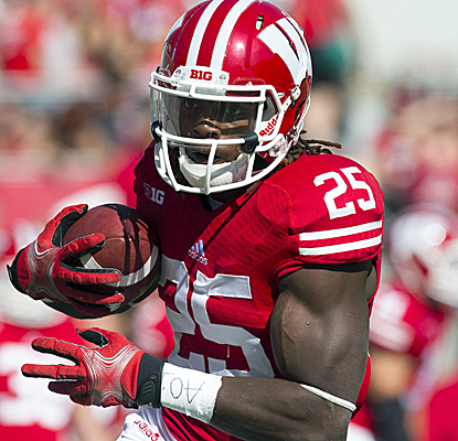 Melvin Gordon rushes for 172 yards, including a 71-yard touchdown as Wisconsin rolls past Northwestern.  (USATSI)