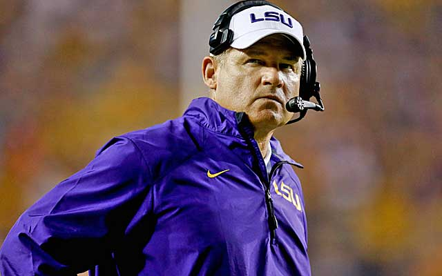 Les Miles could opt to unleash the Tigers' offense against Ole Miss. (USATSI)