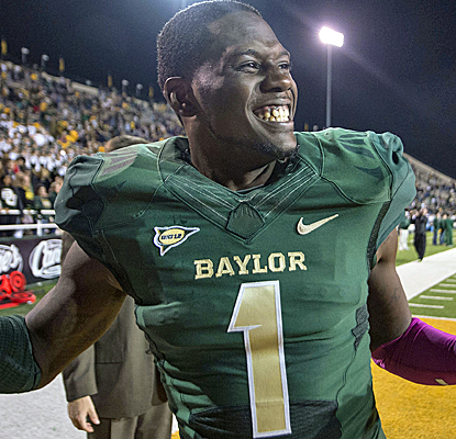 Baylor is averaging over 70 points at home this year, and for the 33rd straight game the Bears gain at least 400 yards.  (USATSI)