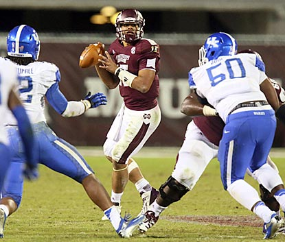 Dak Prescott stays cool under pressure and helps guide the Bulldogs past the upset-minded Wildcats. (USATSI)