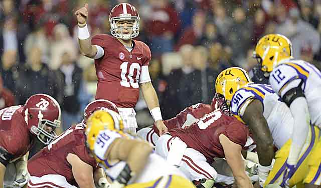 AJ McCarron and the Tide make a national-title picture statement. (USATSI)