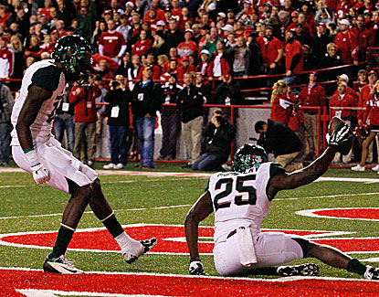 Michigan State receiver Keith Mumphrey scores a fourth-quarter TD as the Spartans pick up a big road win at Nebraska. (USATSI)