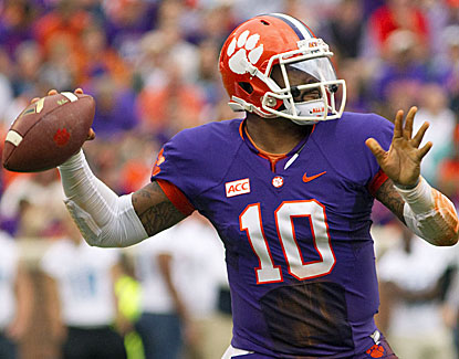 Clemson quarterback Tajh Boyd throws five touchdown passes in his final home game as the Tigers blast Citadel. (USATSI)