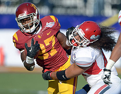 USC's Javorius Allen rushes for two touchdowns as the Trojans torch No. 21 Fresno State. (USATSI)