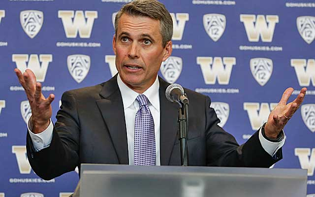 Chris Petersen's jump to Washington should take the Huskies to the next level.   (Getty Images)