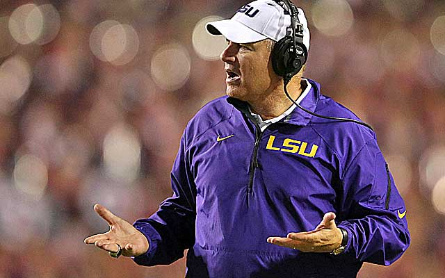 Les Miles received verbal commitments from two star recruits -- before their eighth-grade seasons.   (USATSI)