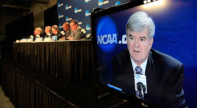 NCAA boss Mark Emmert addresses the media at his annual Final Four get-together Sunday. (USATSI)