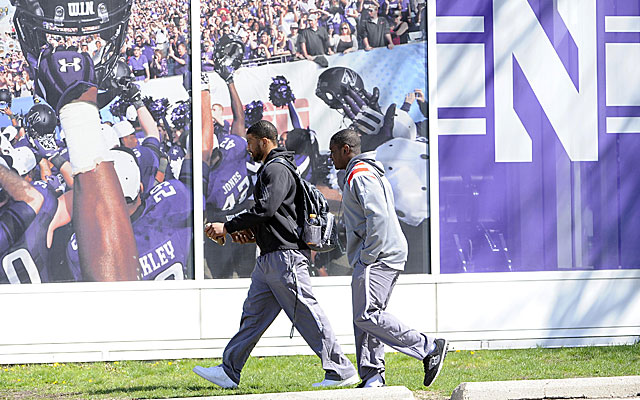 Northwestern players Traveon Henry and Chi Chi Ariguzo on campus to vote on union.  (USATSI)