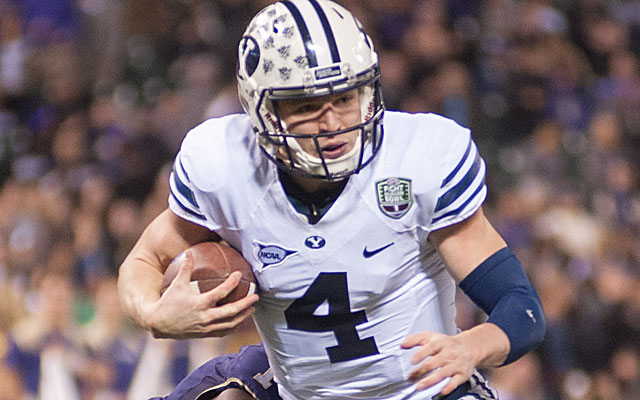 Taysom Hill hopes to lead the Cougars to Miami.  (USATSI)