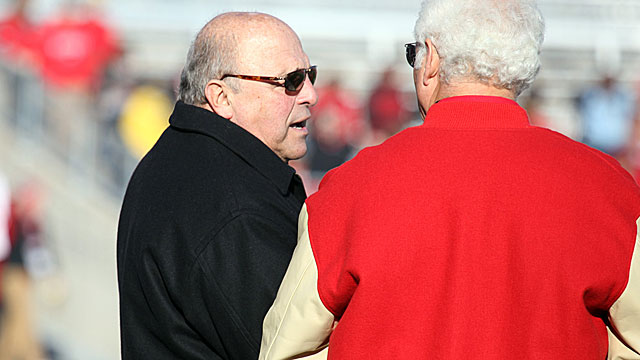 Barry Alvarez wants to see an 'intent' to schedule the right people.  (USATSI)