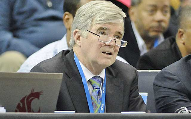 Mark Emmert and the NCAA continue to move the goalposts on what constitutes an amateur model.   (USATSI)
