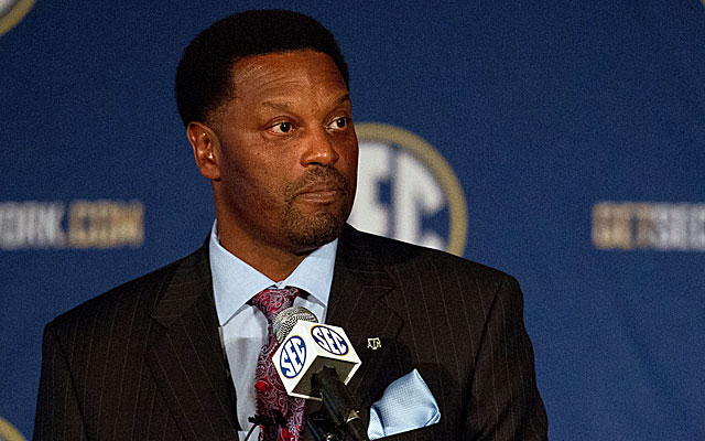 Kevin Sumlin knew he'd get Johnny Manziel questions at SEC media days and he tried his best to move on. (USATSI)