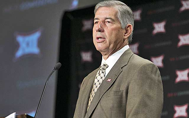 Bob Bowlsby paints a rocky future financial landscape for athletic departments.  (USATSI)
