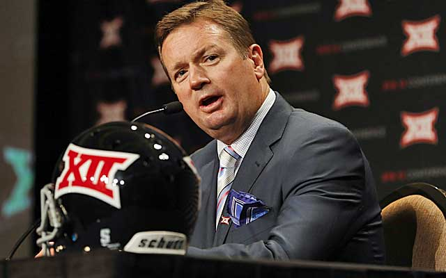 Bob Stoops uses Oklahoma's win over Bama as evidence of Big 12 might.  (USATSI)