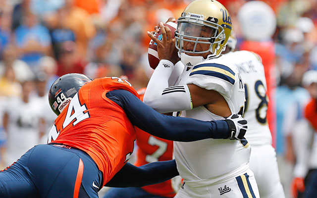 After facing lots of pressure from Virginia, Brett Hundley can expect more from Pac-12 foes. (USATSI)