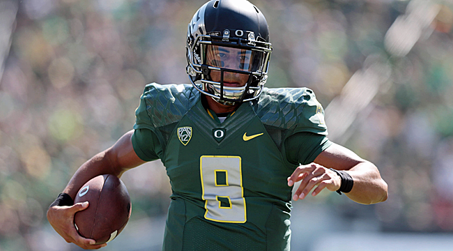 Follow LIVE: No. 3 Ducks visit Washington St.