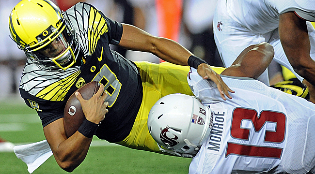 No. 3 Oregon survives a scare from Wazzu