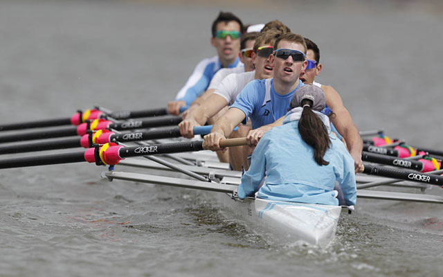 Columbia's lightweight rowing team is looking to raise money through social media. (gocolumbialions.com)
