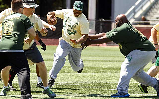 Former players compete in the Sons of UAB spring game at Legion Field in Birmingham. (USATSI)
