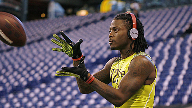 Alabama's Dre Kirkpatrick is an aggressive cornerback projected to be a first-rounder. (US Presswire)