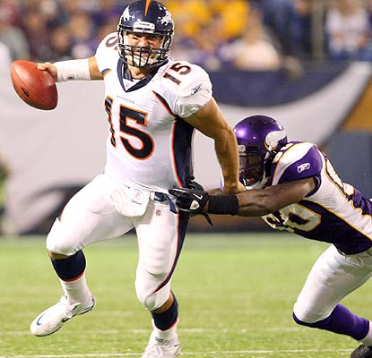 Tim Tebow has some issues early on, but he rebounds to throw a touchdown pass in the third. (US Presswire)