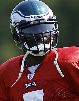 It's fine to forgive Michael Vick, but it's not fine to forget what he did. (AP)