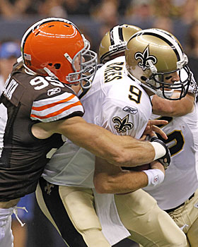 Former teammate Scott Fujita is among the Browns defenders to hound Drew Brees. (AP)