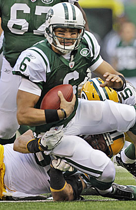 The Packers keep the heat on Mark Sanchez, who proves incapable of carrying the Jets' offense. (AP)