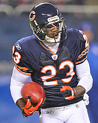 Devin Hester's return ability could lead the Jets to punt away from him. (US Presswire)