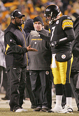 Mike Tomlin and Ben Roethlisberger are becoming familiar with the celebratory handshake. (US Presswire)