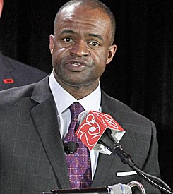 Can DeMaurice Smith hold the union together after the paychecks stop? (AP)