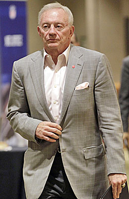 Jerry Jones is likely eager to get a deal done to avoid lost gate receipts that can help pay for his stadium. (AP)