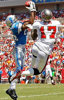 Lions CB Chris Houston snares an interception against the Bucs in Week 1. (Getty Images)