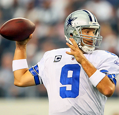 The Cowboys' Tony Romo lights up the Seahawks' defense for 279 yards and two touchdowns. (Getty Images)