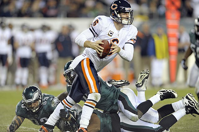 Against a defense that doesn't sack or intercept him, Jay Cutler makes the throws that lead to victory. (AP)