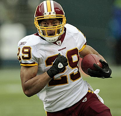 Running back Roy Helu scores a highlight-reel 28-yard touchdown to start the Redskins' fourth-quarter comeback. (AP)