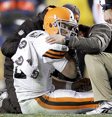 Did Browns medical personnel fail to identify McCoy's classic concussion symptoms, or willfully ignore them? (AP)