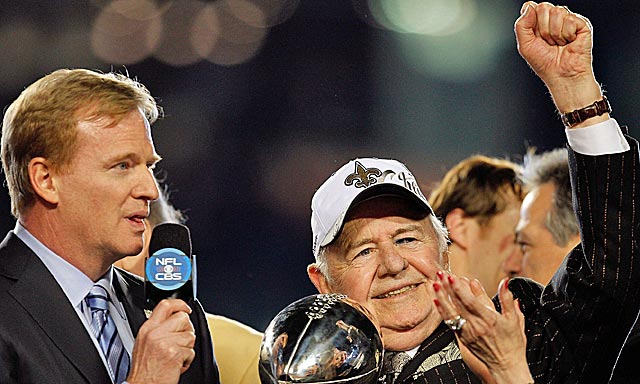 Goodell handed Benson the Lombardi Trophy in 2010; Wednesday was more unpleasant business. (Getty Images)