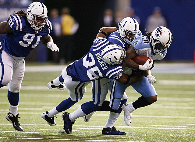 Poor play by the offensive line may explain part of Chris Johnson's struggles early on last season. (US Presswire)