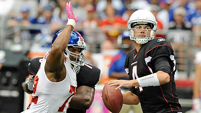 Umenyiora offers the same things as Suggs: big plays off the edge. (Getty Images)