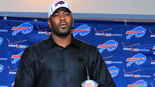 Mario Williams actually wants to move to the left side of Buffalo's line. (US Presswire)