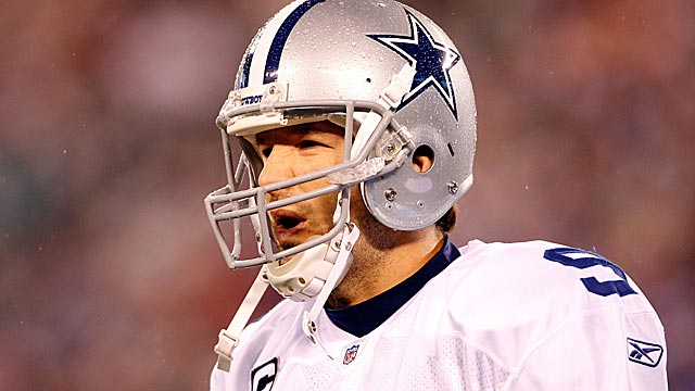 With the loss of Laurent Robinson, who will be Tony Romo's third receiver in 2012? (Getty Images)