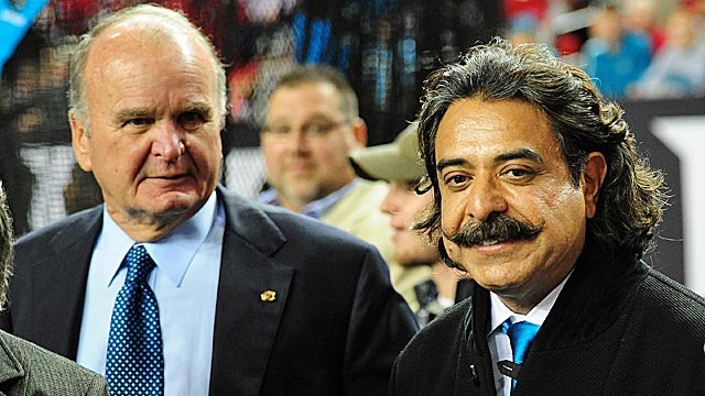 Former owner Wayne Weaver left Shahid Khan (right) with plenty of issues in Jacksonville. (Getty Images)