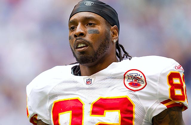 Dwayne Bowe gets no deal, hasn't signed his tender, and probably will be elsewhere in 2013. (US Presswire)