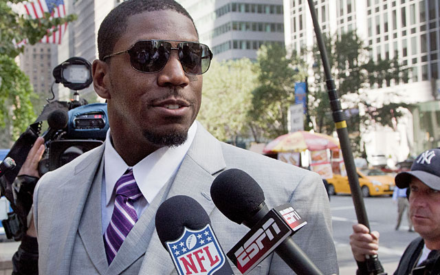 Vilma says he needs his suspension lifted so Saints doctors and trainers can oversee his injury rehab. (AP)