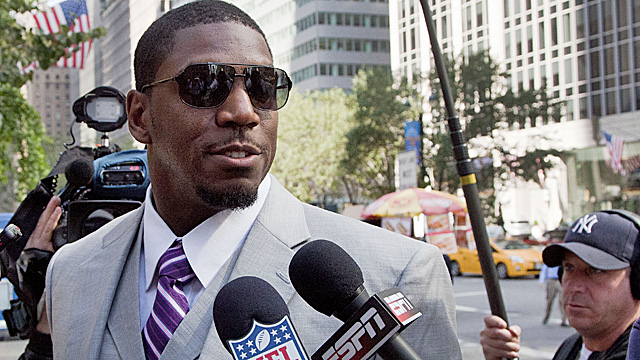 If Vilma's suit isn't dismissed, he could be allowed to temporarily return to the Saints. (Getty Images)