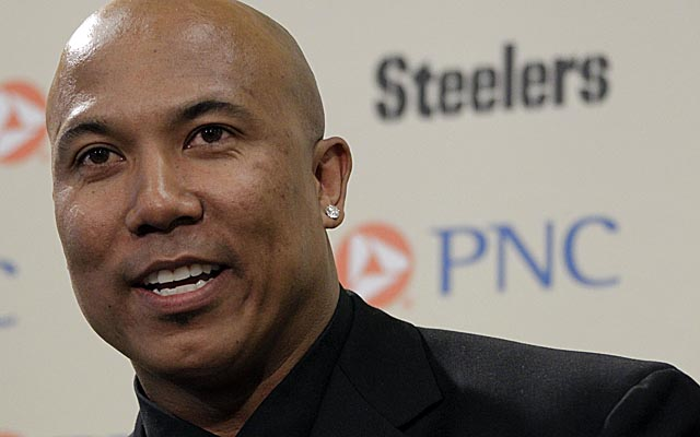 Ward's reps say the retired Steeler learned of the extortion attempt after money changed hands. (AP)